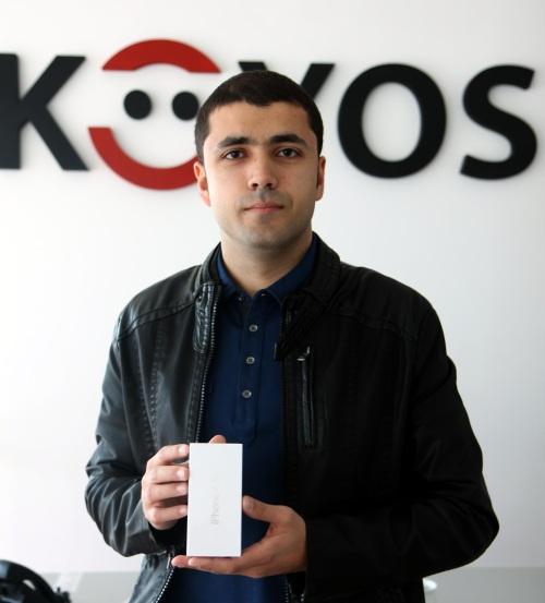 Primul cumparator de iPhone 4S in Romania de la KOYOS.ro