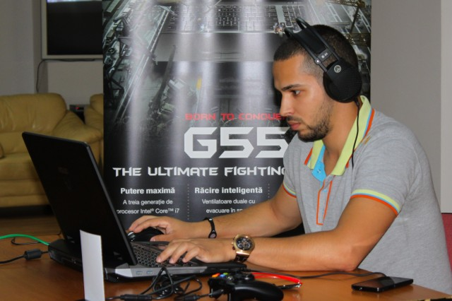 Gaming pe noul laptop ASUS G