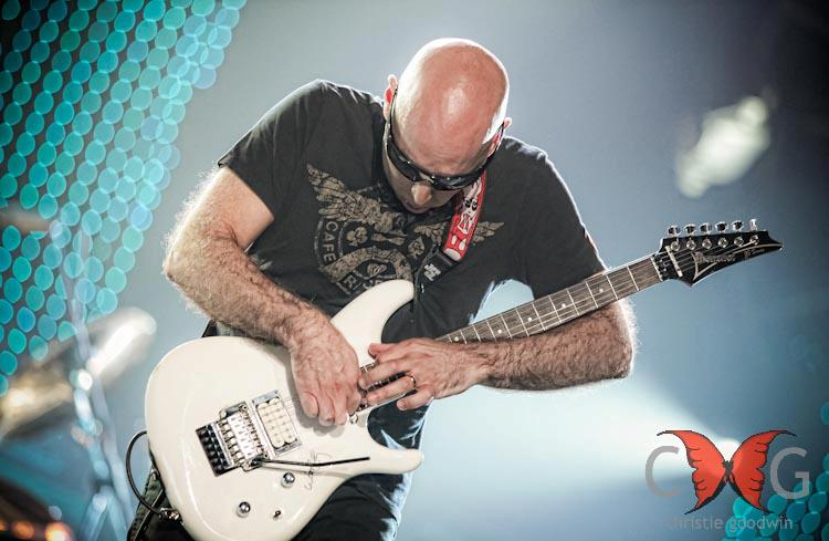 Joe Satriani pe Wembley, foto de Christie Goodwin